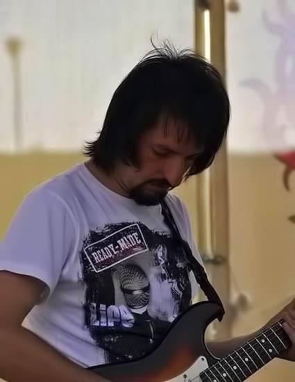 Віктор Чернецький. Виступ групи