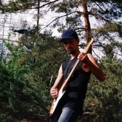 """Віктор Чернецький. Байк-рок-фестиваль """"ROCK VizOK"""". Виступає """"Кам`яний Гість"""" (24.05.2003, м.Черкаси)"""