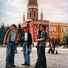 """Група """"Кам`яний Гість"""" на Червоній площі в Москві, перед концертом з групою """"Крематорій"""" (01.06.2004)"""