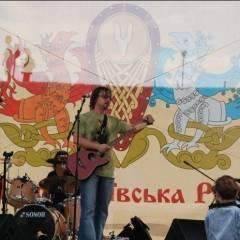 """Виступ групи """"Кам`яний Гість"""" в парку """"Київська Русь"""" (с.Копачів, 30.05.2010). Фото: Марія Ніколаєва"""