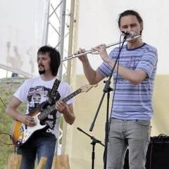 Віктор Чернецький, Антон Сурмін..Виступ групи