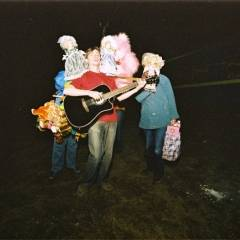 Антон Тараненко. Зупинка на шляху до Києва (06.04.2005). Фотограф Олександр Стратійчук